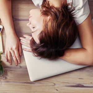 Vintertrötthet – Fem anledningar till ökad trötthet under vintern