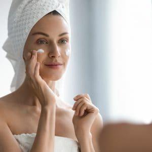 Så förbereder du huden inför en perfekt makeup – Guide till strålande resultat